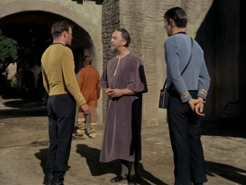 Kirk and Spock meet Ayelborne