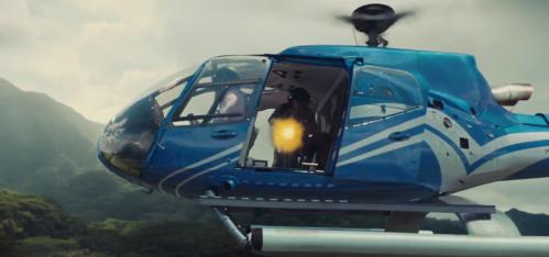 jurassic-world-tv-spot-helicopter-assault
